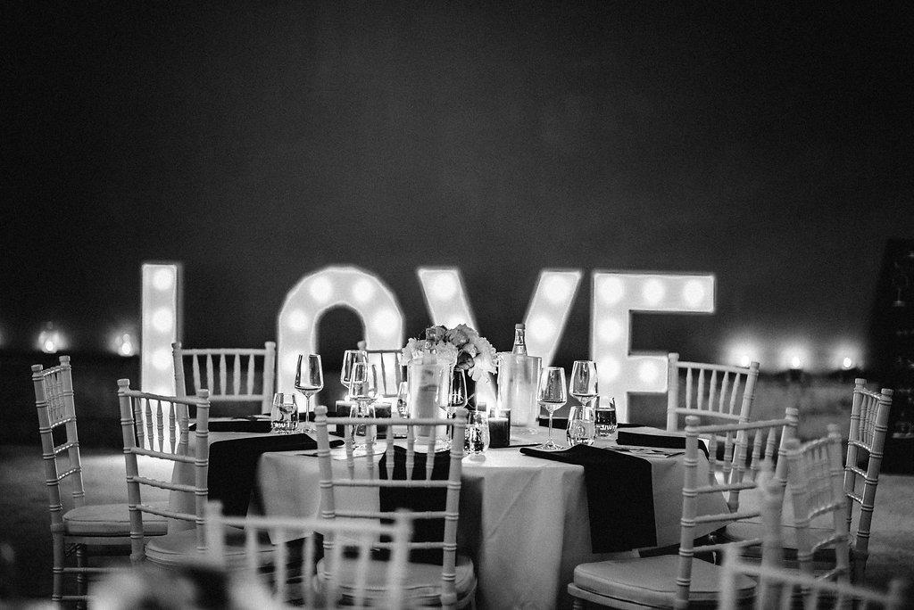 Hochzeitstrend 2019, Weddingplaner NRW, Dekoverleih NRW, Leuchtbuchstaben, Marqueelights, Love, Lichtbuchstaben